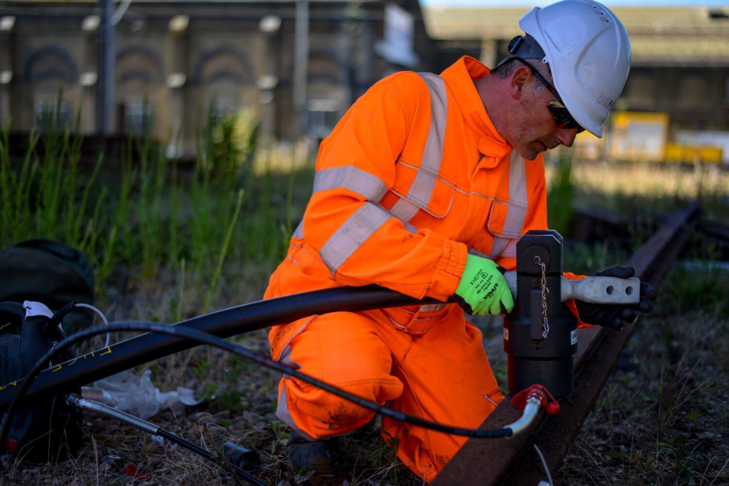 Conductor Rail Equipment - Fuse Rail